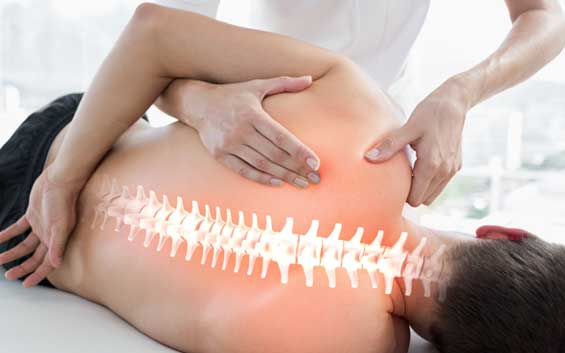 Therapeutische massage van de rug